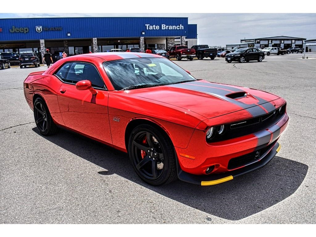 New 2018 Dodge Challenger SRT 392 RWD coupe in Artesia 7385